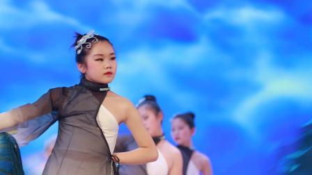 2020银河之星全国少儿舞蹈展演 单位:神木市朵朵乐培训部 节目:《月》
