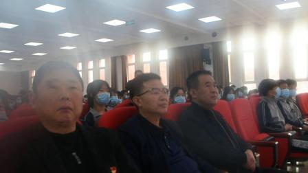 """安宁走基层:王作为介绍说,白求恩纪念馆是""""全国爱国主义教育基地""""和""""全国红色旅游经典景区"""".mpg"""