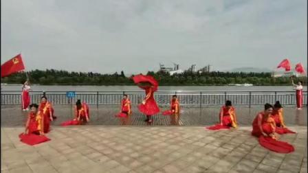 """尧都区老体协""""庆祝建党100周年""""舞蹈《伟大的旗帜》"""