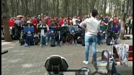 平顶山市馨声合唱团:指挥:李沁
