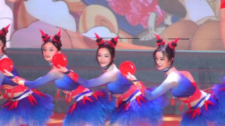 成都市龙泉驿区第十五届中小学生艺术节:龙泉七中节目(俏辣妞)