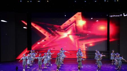突泉县第十五届艺术展演杜尔基小学舞蹈《闪闪红星》