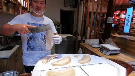 在李庄古镇,周周终于亲眼目睹了薄如蝉翼的李庄白肉是怎么切出来的