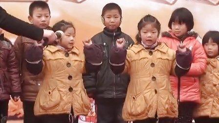 【拍客】双胞胎姐妹飙歌舞HOLD全场