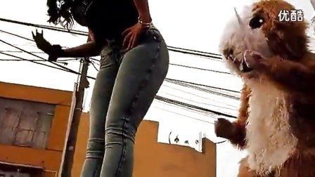 【凯子独家】优酷超清:美国少妇紧臀牛仔裤