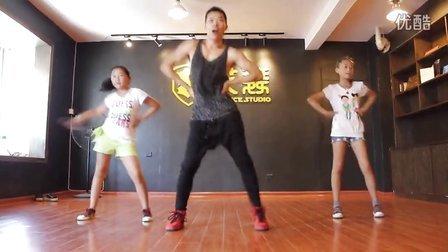 福州爵士舞-艾舞舞蹈工作室少儿爵士舞-WAKING老师课程片段