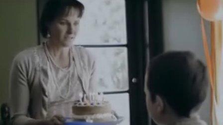 00后大闹生日派对,疯狂摔烂蛋糕!让家人不知所措 吴柏林.广告策划:实务与案例.机械工业出版社