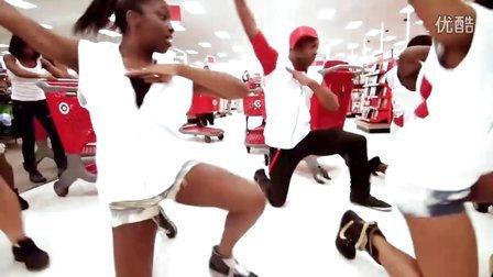 【猴姆独家】太帅了!国外百名专业舞者超市里激情快闪Beyonce好听新单End Of Time!