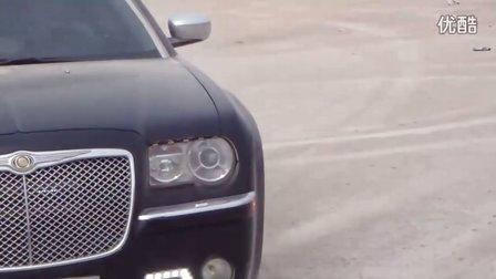2006款 进口 克莱斯勒300C的操纵性 不错---我左甩右甩-----