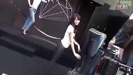 美女写真视频-牛仔裤走秀