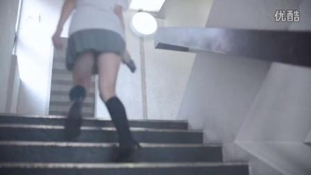 日本初中女生的迷你裙
