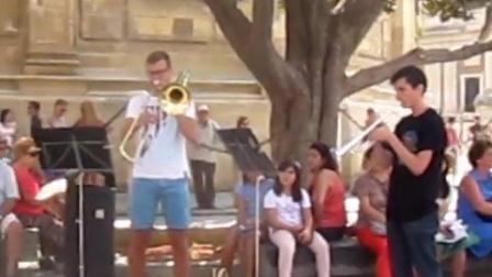 塞维利亚街头管乐表演