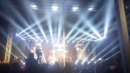 集团年会节目之一,时间紧张。灯光现场临时搭配!