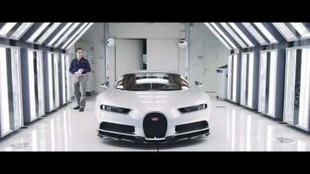 布加迪 Chiron 宣传片 First Chiron customer cars Ieave the Bugatti Atelier.