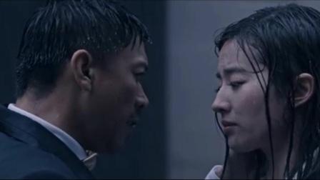 《露水红颜》王学兵刘亦菲上演醉人激吻