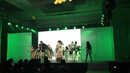 演出公司提供大型舞台情景剧节目-森林奇梦,国内舞蹈演员与外籍舞蹈演员的完美配合