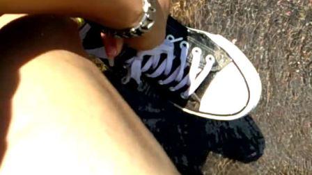 帆布鞋棉袜河边趟水玩水湿鞋袜