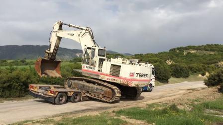 运输特雷克斯 RH30挖掘机