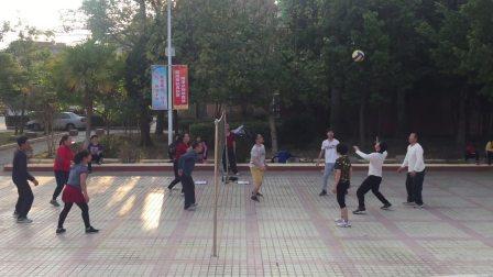 鹤市广场气排球 家族队 PK 混合队 第二场 13.44分钟