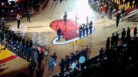 【快7岁】2-8哈哈去NBA迈阿密热现场看球,赛前唱国歌仪式VID_200912