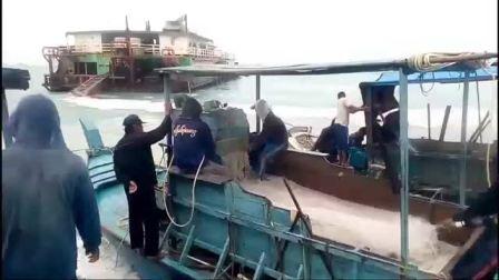 在海底开采锡矿 Berjuang