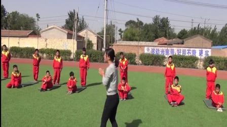 《肩肘倒立》優質課(科學版五年級體育,王艷梅)