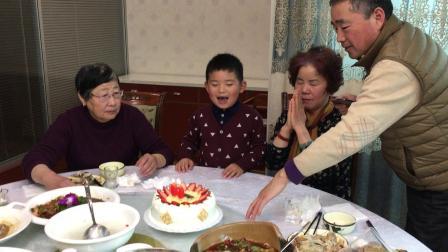 【快7岁】3-3哈哈给奶奶过生日唱《生日快乐》歌曲IMG_0076