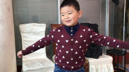 【快7岁】3-3哈哈元宵节外面聚餐,全家人一起吃饭IMG_0074