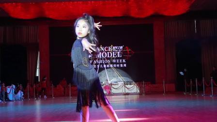 012 陈怡竹 襄阳倩舞飞扬艺术培训中心 2018湖南省少儿舞蹈模特时装周