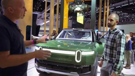 美国RIVIAN公司展示大型纯电动SUV和纯电动皮卡