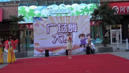 大润发超市店庆广场舞表演活动