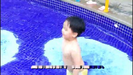 我是鱼(泳池里的崽崽--摄像)