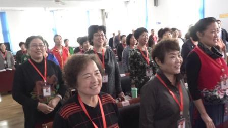 天津西青区老年大学声乐班正在上课合唱我和我的祖国