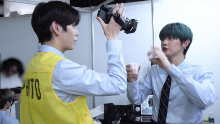 [T:TIME] YEONJUN & SOOBIN play with the camcorder - TXT