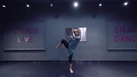 派澜 中国舞《花样年华》老师个人:章舒敏