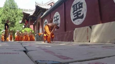 老外来少林寺学习中国功夫三个月全记录!