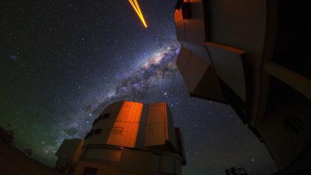 欧南台甚大望远镜揭示一颗关于银河系中心超大质量黑洞作玫瑰花结形环绕的恒星