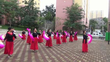 公租房舞蹈队---扇子舞      2020.7.18