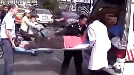 车祸现场尸体图片...拍摄:黄富昌 制作:黄富昌