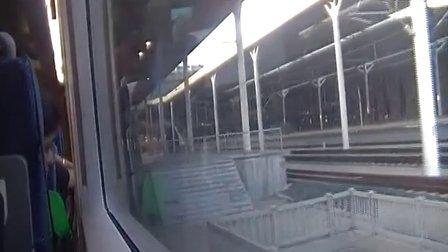 京沪高铁G18次停靠济南西站