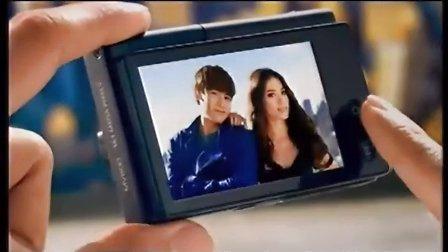 泰国男星尼坤Nichkhun三星Samsung MultiView揭背式显示屏数码相机广告