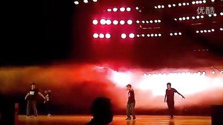 内地嘻哈小天王宋艺飞全国巡演《超级偶像》实况!