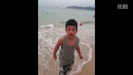 小石头沙滩玩耍