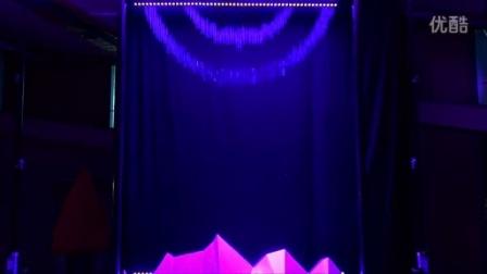 德国贺廷根科技互动 - 水打印 看起来像点阵打印机产生复杂图像的瀑布