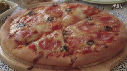 【大吃货爱美食】周末闲情料理:简单的意大利香肠披萨 160516