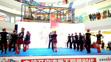 集体水兵舞表演  宿州市埇桥区老年大学水兵舞团 指导老师  李真平 王会兰