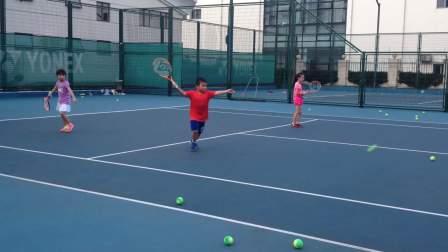 【6岁】8-15哈哈暑期网球班挥拍练习,打不到球IMG_9123.MOV