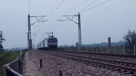 """""""一绿仨红""""京石HXD3C0997牵引K7780次(临西-阳泉)低速进站"""