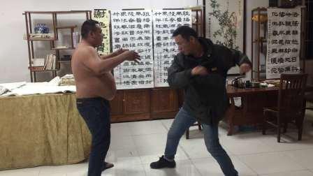 张中平站桩功抗打功效,演示者陈聪