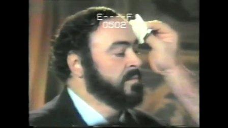 帕瓦罗蒂 演唱之前准备工作《我不再感到青春火焰燃烧》1987年意大利摩德纳<Nel Cor Piu Non Mi Sento>